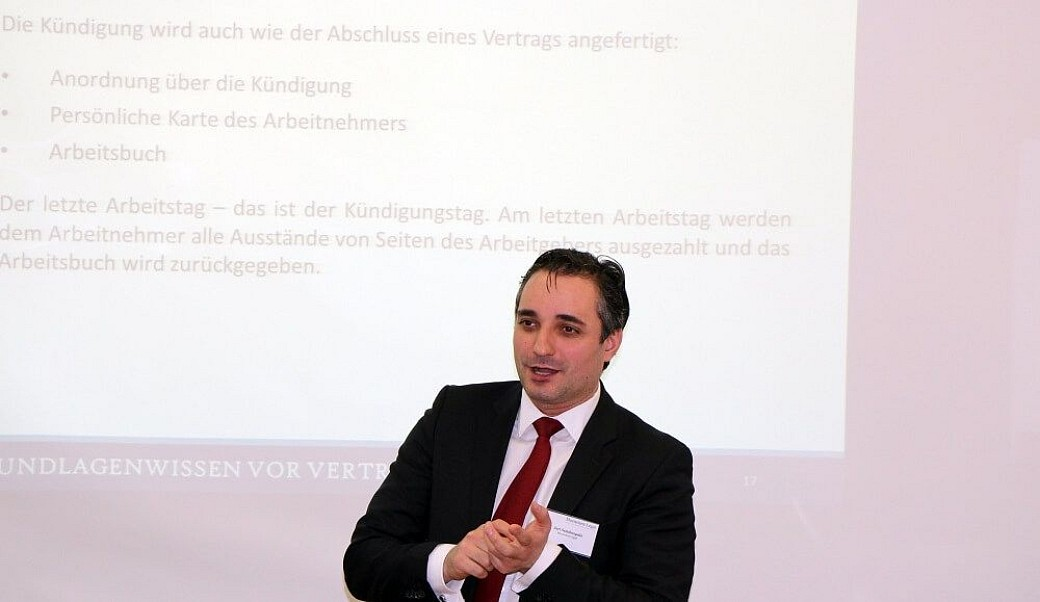 Juri Semiletopulo beim Vortrag