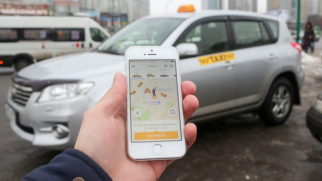 Russische Taxifahrer beschweren sich über Taxi-Apps