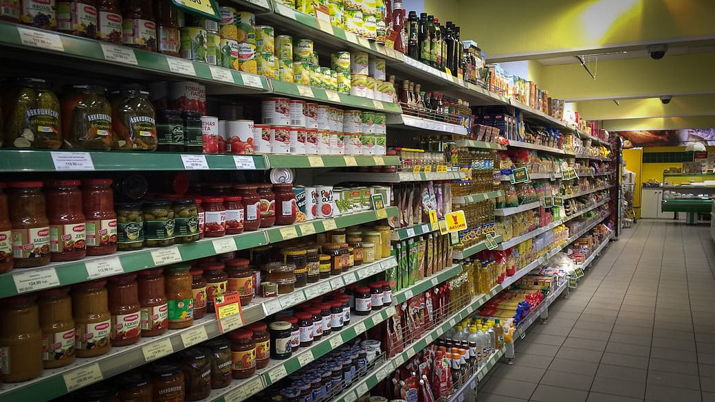 Russische Verbraucher ändern ihre Essgewohnheiten in der Krise