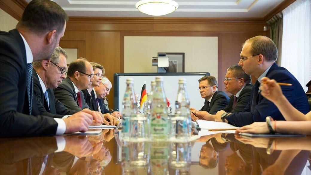 Landwirtschaftsminister Schmidt zu Gesprächen in Moskau