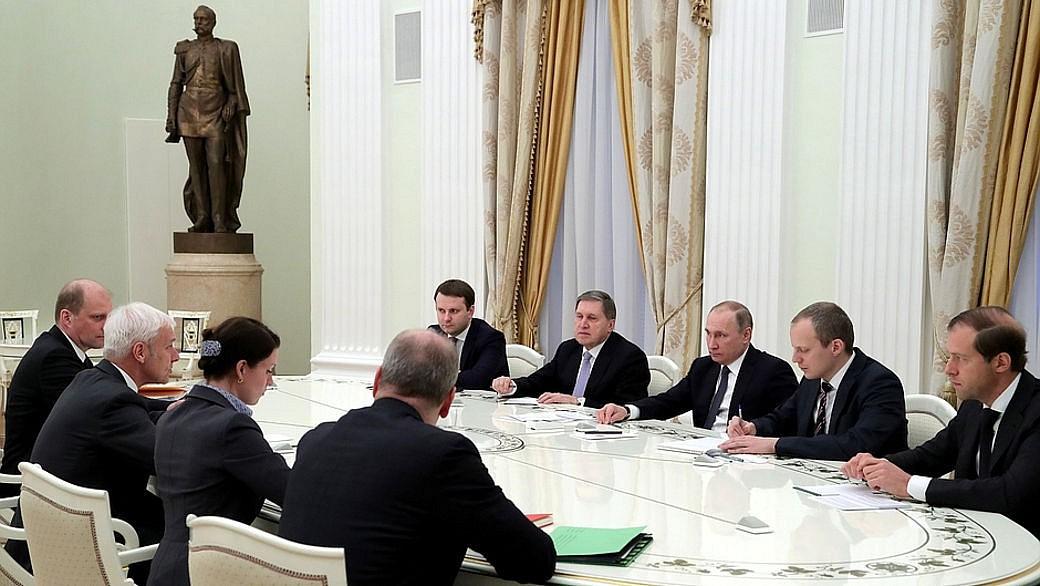 Der Chef der VW Group besucht Putin in Moskau.