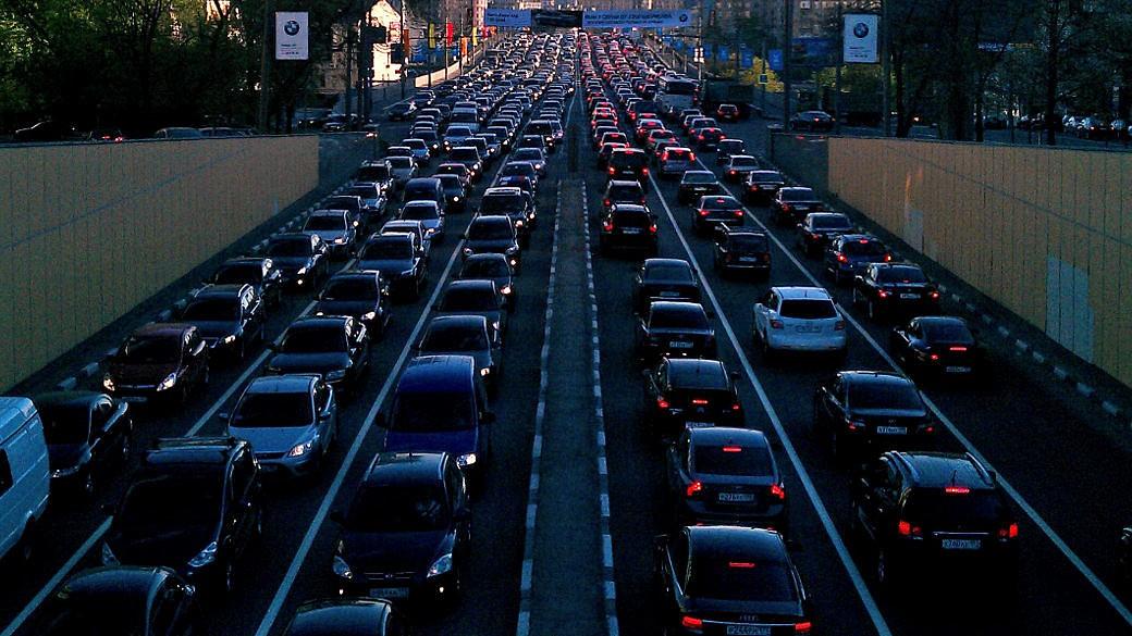 Strassenverkehr Stau