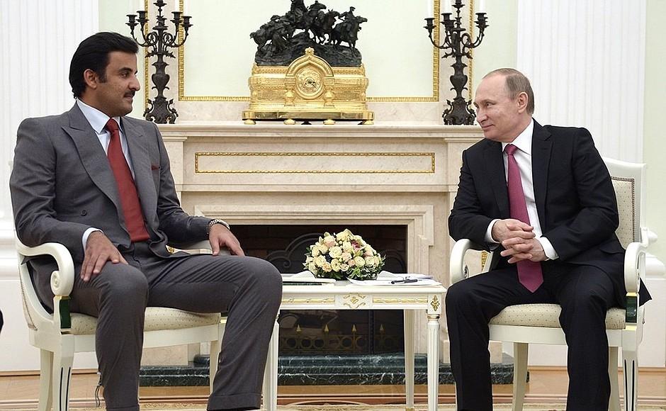 Der russische Präsident, Wladimir Putin, und das Staatsoberhaupt von Katar, Tamim bin Hamad Al Thani.