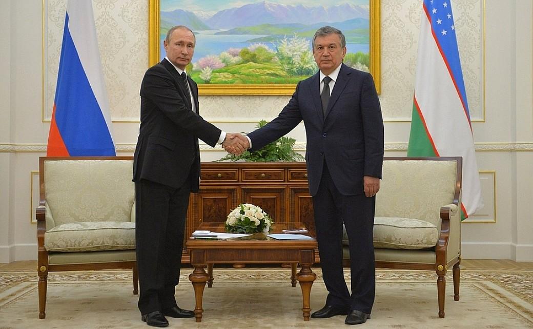 Shavkat Mirziyoyev und Wladimir Putin
