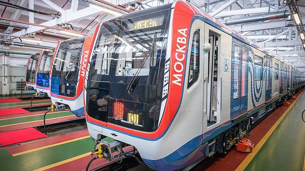 Die Moskauer Metro stattet ihre U-Bahn mit einer neuen Wagenreihe aus: Sie ist moderner, komfortabler und bringt ihre Fahrgäste ins Schwärmen.