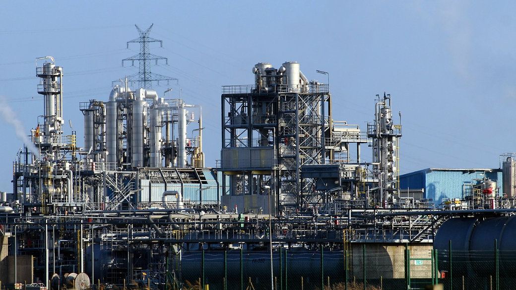 Raffinerie, Chemie, Industrie