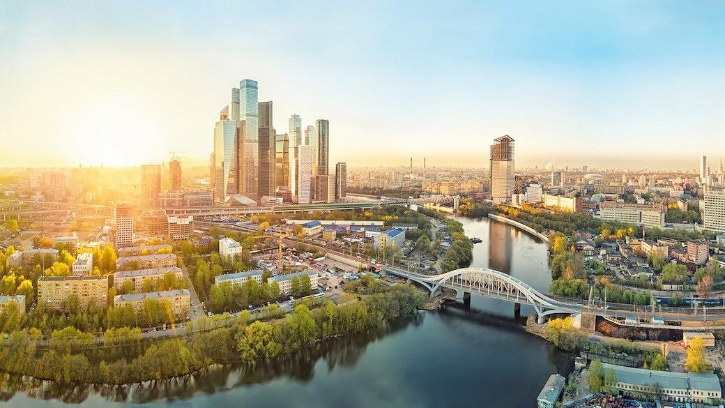 Sonnenaufgang ueber Moskau