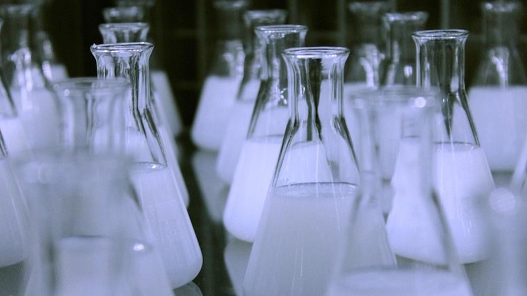 Labor Glasflaschen