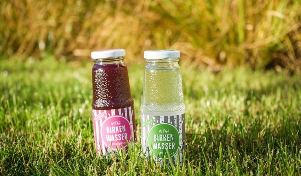 Birkenwasser in Glasflaschen