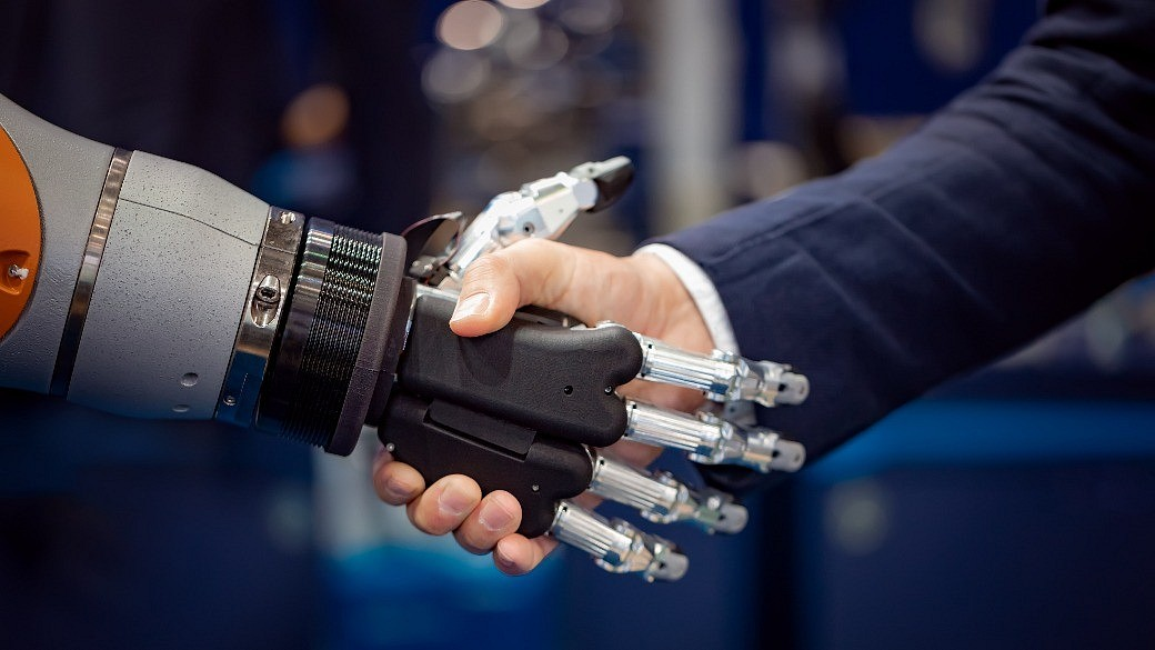 Roboterhandschlag