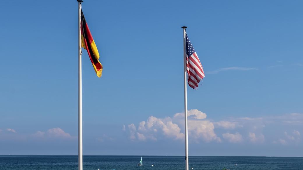 Flaggen Deutschland USA