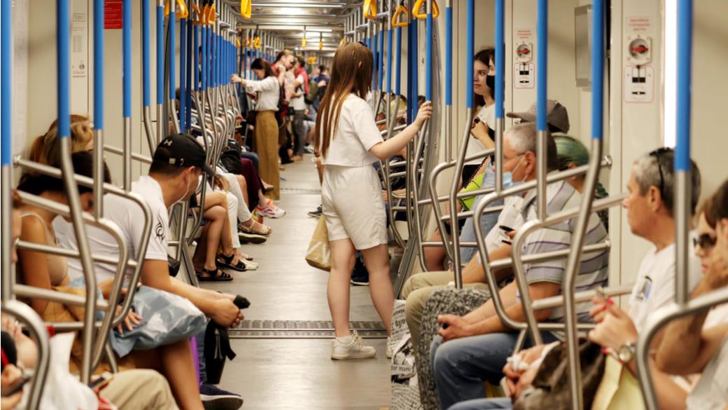 Menschen in Moskauer Metro